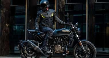 Jak vybrat bundu na motorku?